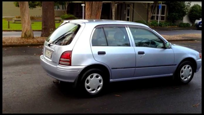 Toyota Starlet 1999. Auto on sale